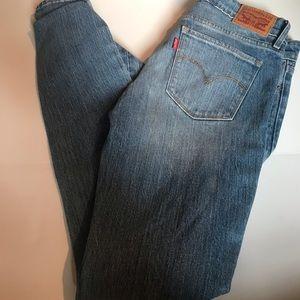Levi Brand Straight Leg